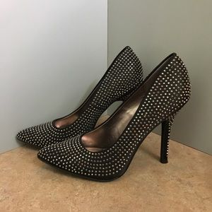 🆕GORGEOUS STUDDED 4 1/4 INCH HEELS TO LOVE